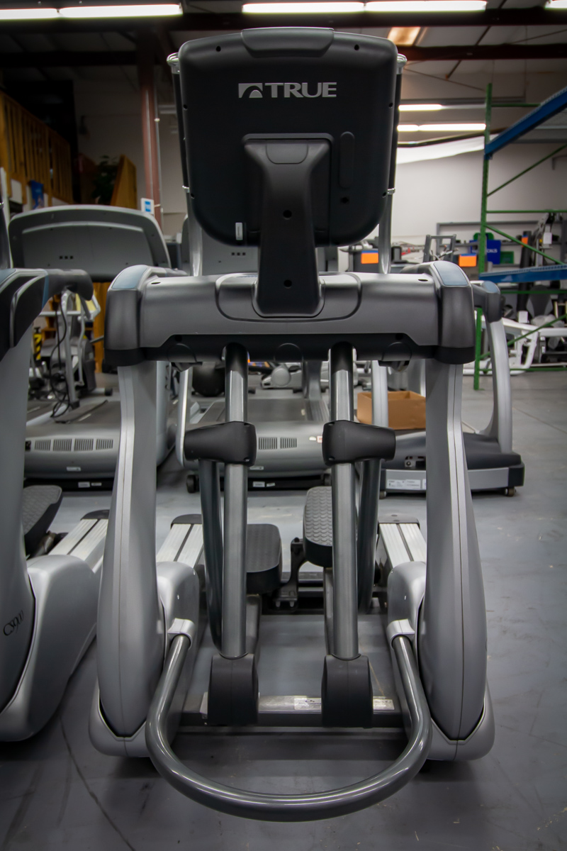 True Fitness Cs900 Elliptical Pre Owned Commercial